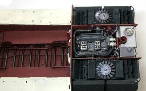 ケーニヒスティーガー・ヘンシェル砲塔 冷却水パイプを接続