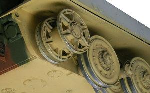 ケーニヒスティーガー・ヘンシェル砲塔 転輪と誘導輪の仕上げ