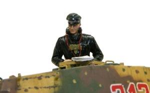 ケーニヒスティーガー・ヘンシェル砲塔 戦車長