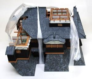 屋根の変形を矯正