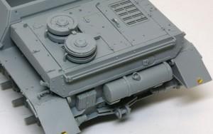 4号駆逐戦車L/70(V)ラング エンジンデッキ、車体後部の組立て
