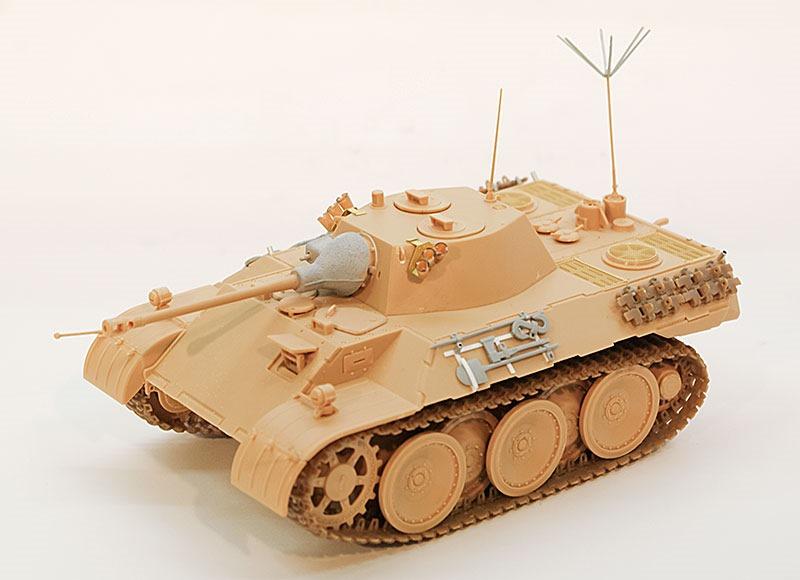組立て完了 計画偵察用軽戦車レオポルド