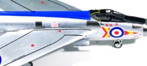 翼のライン