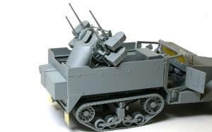 M16多連装銃搭載車 戦闘室の組み立て