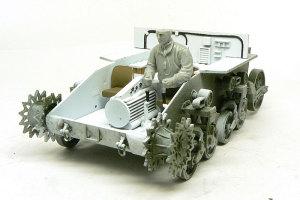 M3A1スチュアート ドラゴンの戦車兵は大きすぎる