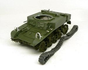 M3A1スチュアート 車体の組立て