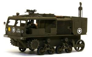 M4ハイスピード・トラクター デカール貼り