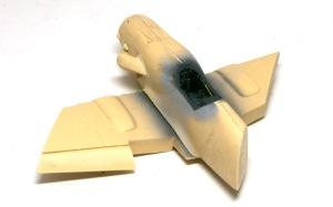 不時着したMe109G-10 機体の組み立て