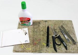 ペーパークラフトを作る道具