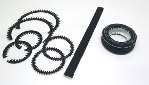 タイヤのパーツと 組み立てたタイヤ