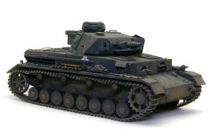 ドイツ・4号戦車F1型 増加装甲付 1/35 サイバーホビー