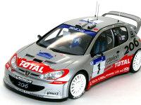 プジョー206 WRC 2002年タイプです。参加車輌中最小のボディながら、2000年2001年と連続チャンピオンに輝いたすばらしいマシンです。