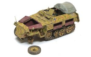 ドイツ・兵員輸送車Sd.kfz.250/1ノイ 1/35 サイバーホビー