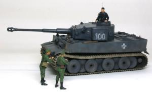ドイツ重戦車・ティーガー1極初期型 1/35 ドラゴン
