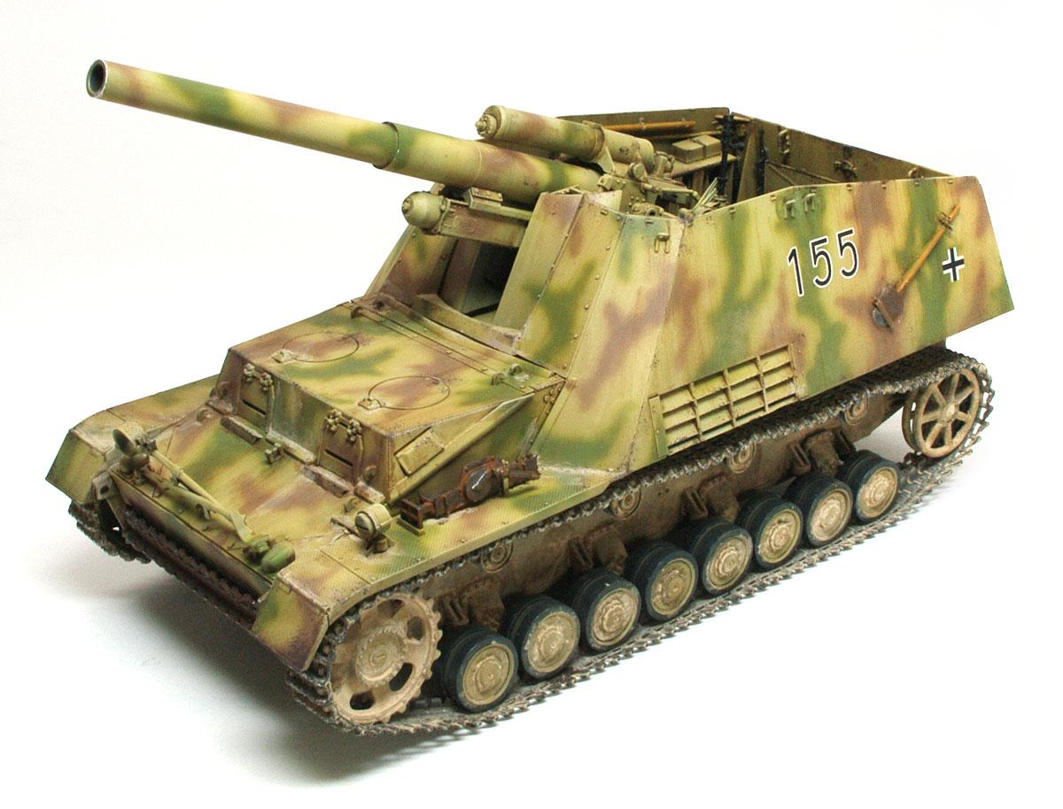 ドイツ・15cm自走重榴弾砲フンメル後期型 1/35 サイバーホビー