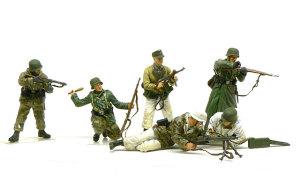 必死の防衛・コルスン包囲網1944年 1/35 ドラゴン
