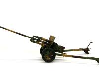 真横から見た57mm対戦車砲ZIS-2です。こうしてみると細長い砲身が良くわかりますね。今回はソ連軍には珍しい3色迷彩としてみました。