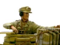 アフリカ軍団では戦車兵と歩兵は同じ制服を着ていました。そのためフィギュアの流用は簡単です。