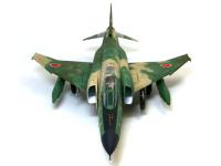 太い胴体、大きな主翼が強そうです。偵察型なのであまり武器は装備していません。