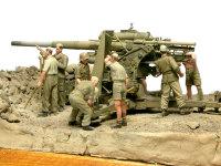 このジオラマは仲間5人がそれぞれ担当を分担して作る作品で、私の担当は「B」のマークの2番砲です。
