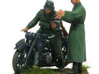 指の先までキッチリと作られたフィギュア。ドライバーはオートバイに完全にフィットします。素晴らしいキットですね。