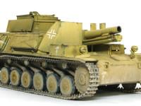 sIG33重歩兵砲は車輪を外しただけのそのままの砲架を搭載しているのですが、車体を大きくしたためここまで低く搭載することができました。