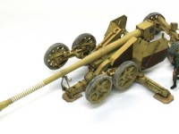 砲身は12.8cm55口径ですから、長さはなんと7m以上にもなります。