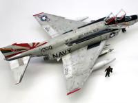 アメリカ海軍・F-4Bファントム VF-111サンダウナーズ 1/48 アカデミー
