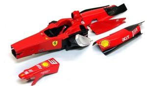 フェラーリ・F60 デカール貼り