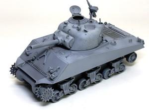 M4A3シャーマン 105mm榴弾砲搭載型 サフ吹き
