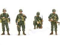 パンターF型を発見した、4人の兵士です。本当はソ連兵だったそうですけどね。