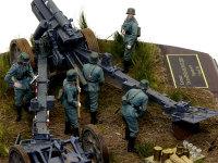 兵たちを中心に撮影してみました。本当はこの倍くらいの人数で運用されました。こんなに人手不足なのに一人さぼっています(笑)。