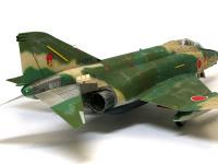 超音速ジェット機は塗装が痛んでいるのですが、それをタミヤのウエザリングマスター(Aセットの各色)で再現しました。