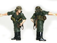 飛び出すタイミングを見ている兵士です。手の造形なんかは、さすがにマスターボックスというところですね。レジンキットに迫る品質です。