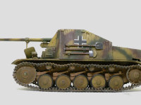 真横から見た自走砲マーダー2です。連結式のマジックトラックはどんな形にでもできるのですが、やはりドイツ軍の戦車の履帯はあまりグニャグニャと垂れさせない方がよかったかもしれません。指定枚数でつなぐとこうなっちゃうのですけど。