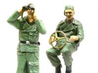 隊長と砲手です。二人とも完成後はまるで顔が見えなくなるのですが、いい表情をしています。
