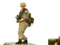 重機関銃手のホエル・ラフエンテ伍長です。部隊の支援が目的です。M-229機関銃を操作します。この部隊では一番の若手です。