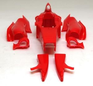 フェラーリ・F60 車体の整形と組立て