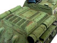 SU-85襲撃砲戦車のエンジンカバー(?)です。このあたりは工作で一番手をいれてあります。私は工作が雑なので仕上がりが汚らしくて恥ずかしいのですが、これも性分ですからね。そのうち上手になると思います(^_^;)
