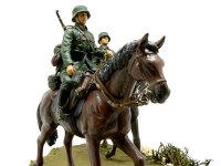 ドイツ・第1騎兵師団の1頭目です。ブラウンの毛に鼻先が黒です。半開きの口の歯は白で塗って墨入れしてあります。