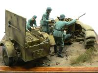 左から見た「Flak38高射砲陣地」です。やっつけ仕事でも地面がある方が様になりますね。本当なら空の薬莢をばらまかねば。