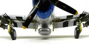 P-47Dサンダーボルト バブルトップ タイヤの自重変形