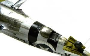 P-47Dサンダーボルト バブルトップ 排気管からの汚れ