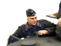 ドイツ・戦車兵1939年~1941年の装填手です。黒服はシャドウ、ハイライトとも1段階ずつなので、塗装が楽ちんです。