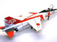 機体の派手なカラーリングは、実験飛行中の姿勢を確認しやすくする目的もあります。なにしろCCVは機首の方向と進行方向が異なるという、妙な飛び方ができますからね。