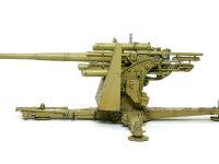 Flak18とその後の36/37との一番の違いは、砲身です。36/37ではメンテナンス性をよくするために、砲身は2ピースに変更になりました。でもこの1ピースの砲身の方がすらりとしてカッコいいですよね。