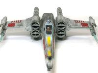よく見ると尾翼がありません。もちろん宇宙船ですから、主翼だって必要ないのですけどね。