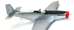 P-51Dマスタング4 翼の塗装