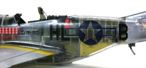 P-51Dマスタング4 デカール貼り