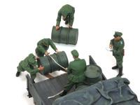 最近のフィギュアセットはミニアートに限らず良い動きをしていますね。欲を言うなら荷台の上の兵士にもう少しがんばって欲しいですね。